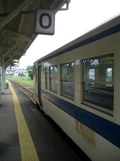 原田駅0番ホームにて