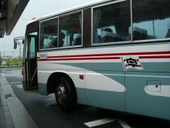 宇和島自動車のバス(宿毛駅にて)